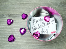 Composition de jour du ` s de Valentine de carte de voeux et de coeurs de boîte-cadeau Photographie stock