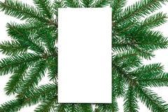 Composition de Noël Blanc de papier, branches d'arbre de Noël, gol Photographie stock