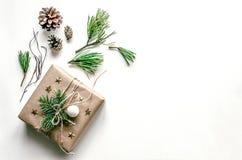 Composition de Noël Emballage des cadeaux Fond de Noël pour la présentation du travail ou du texte Photographie stock