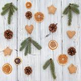 Composition de Noël sur le vieux conseil en bois grunge Photo stock