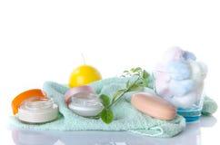 Composition des accessoires d'hygiène et de bien-être Photographie stock libre de droits