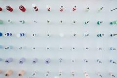 Composition des bobines de couture Photographie stock libre de droits