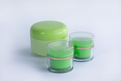 Composition des bouteilles crèmes cosmétiques Photos stock