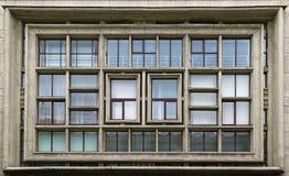 Composition des fenêtres sur la façade Image stock