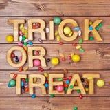 Composition en des bonbons ou un sort Image libre de droits