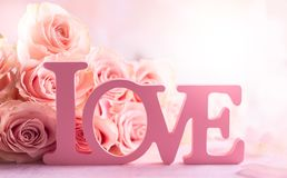 Composition en fleur avec des roses image libre de droits