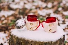 Composition en hiver avec la boisson chaude Photos libres de droits