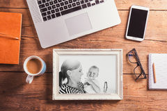 Composition en jour de mères Photo noire et blanche concept pour des affaires et la journalisation courtisez Photo libre de droits