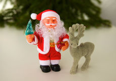Composition en Noël avec le boîte-cadeau et les décorations photos stock