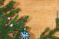 Composition 2017 en nouvelle année avec des branches de sapin Images stock
