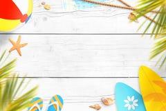 Composition en vacances d'été sur la surface en bois blanche Copiez l'espace textotent Franco Camion Images stock