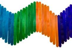 Composition géométrique avec les bâtons colorés de glace à l'eau d'isolement dessus Photo libre de droits