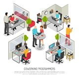 Composition isométrique en espace de Coworking de programmeurs illustration libre de droits