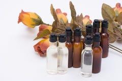 Composition jaune de Brown/: Shampooing et nettoyeur avec la fleur Photos stock