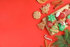 Composition plate en configuration avec Noël fait maison savoureux photo stock