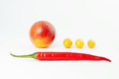 Composition, poivron rouge et fruit Image libre de droits