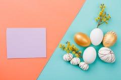 Composition sensible en Pâques et papier blanc Image libre de droits