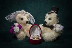 Compositions artistiques avec les animaux tricotés Photographie stock libre de droits