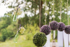 Compositions rondes en fleur pour épouser le décor Photos stock