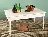 Composizione bianca nella decorazione del tavolo da cucina Fotografia Stock