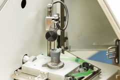 Composizione chimica del controllo dell'operatore del ghisa Fotografie Stock Libere da Diritti