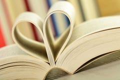 Composizione con i libri sulla tabella Fotografie Stock