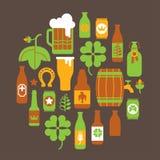 Composizione con le siluette della birra Fotografie Stock Libere da Diritti