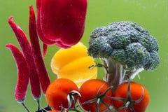 Composizione con le verdure organiche crude assortite Immagini Stock