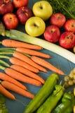 Composizione con le verdure organiche crude assortite Immagine Stock