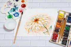 Composizione con lo schizzo di Lily Flower And Paints Fotografie Stock