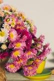 Composizione con un mazzo dei crisantemi variopinti Immagine Stock Libera da Diritti