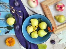 Composizione decorativa stagionale, autunno, vista superiore fotografia stock libera da diritti