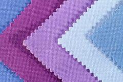 Composizione dei pezzi colorati di tessuto di cotone seghettato Immagini Stock Libere da Diritti