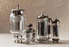 Composizione dei tubi a vuoti elettronici dei tipes differenti Fotografie Stock