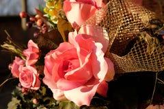 Composizione delle rose rosa immagini stock