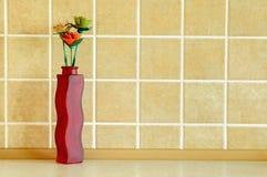 Composizione di legno nei fiori Immagini Stock