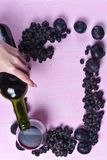 Composizione di vino, dell'uva e delle prugne Immagine Stock Libera da Diritti