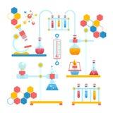 Composizione in infographics di chimica Immagini Stock Libere da Diritti