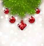 Composizione in Natale con i ramoscelli dell'abete e le palle di vetro rosse Fotografia Stock Libera da Diritti