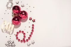 Composizione in natale Palle di Natale, rosse fotografia stock libera da diritti
