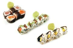 Composizione nei sushi di Uromaki e di Hossomaki Immagini Stock