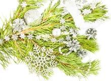 Composizione nel nuovo anno con l'albero di abete, il fiocco di neve artificiale e il sil Fotografia Stock Libera da Diritti