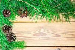 Composizione nella decorazione di Natale su fondo di legno Fotografie Stock Libere da Diritti