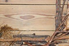 Composizione nella decorazione su fondo di legno i bordi allineati hanno fatto la o Immagine Stock