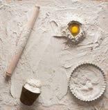 Composizione nella pasta per le torte fotografie stock libere da diritti