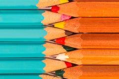 Composizione in uniforme delle matite di legno di un insieme Immagini Stock Libere da Diritti