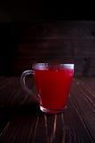 Composta del mirtillo rosso in un vetro trasparente Immagine Stock