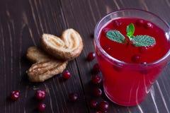 Composta del mirtillo rosso in un vetro trasparente Fotografia Stock Libera da Diritti