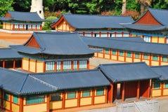Composto densa povoado do templo imagens de stock