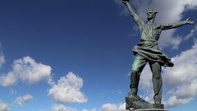 ` Composto escultural o primeiro ` satélite em Moscou, Rússia vídeos de arquivo